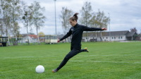 Ewa Pajor kicking ball